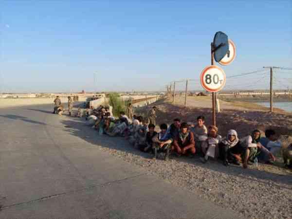 Taliban saldırısından kaçan 134 Afgan askeri Tacikistan'a sığındı