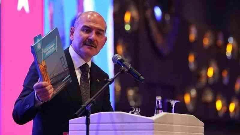 """İçişleri Bakanı Soylu, """"Trafik Güvenliği"""" toplantısında konuştu"""