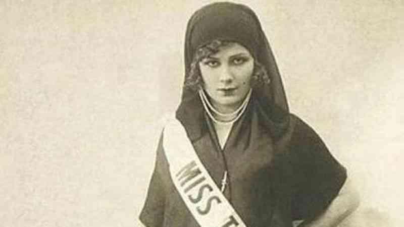 Eski Türkiye güzeli Sakaoğlu'nun mirası itfaiyecilere paylaştırıldı