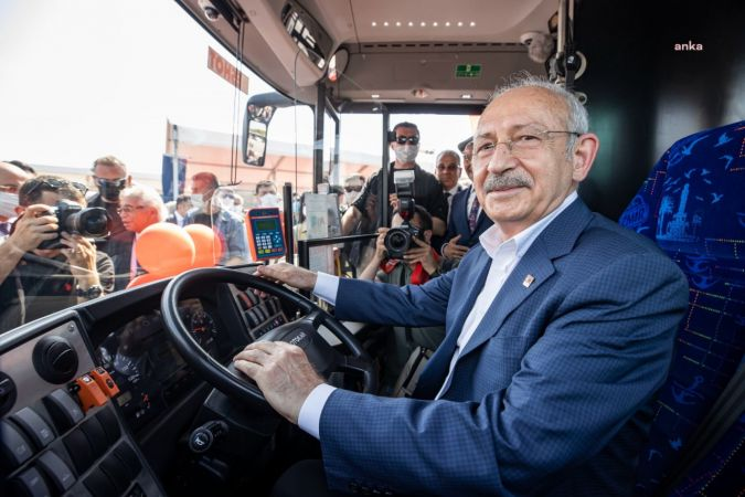 Kılıçdaroğlu: ''Diktatörleri indireceğiz, asla umutsuzluğa kapılmayın''