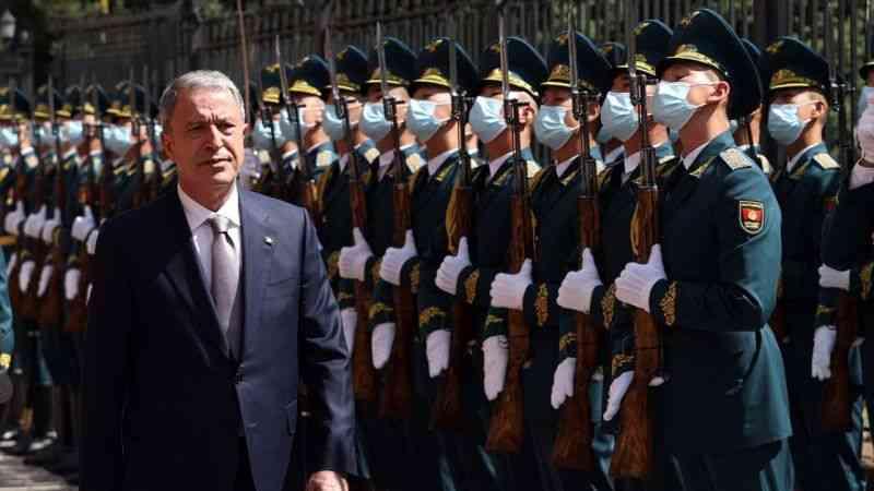 Milli Savunma Bakanı Akar, Kırgızistan'da