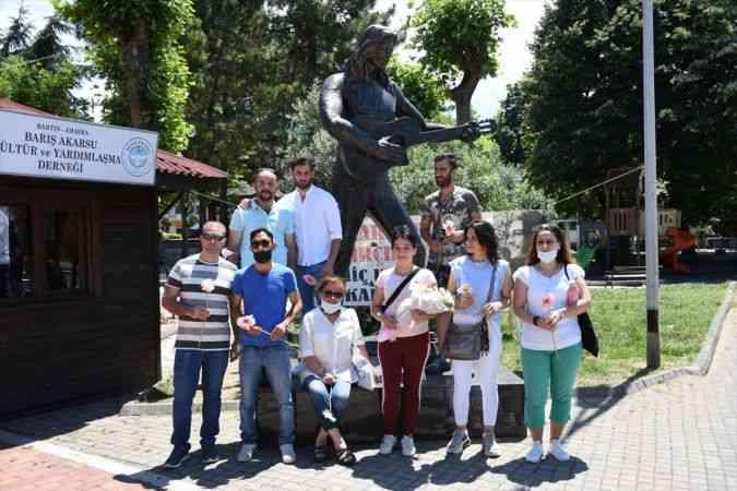 Şarkıcı Barış Akarsu, doğum gününde memleketi Amasra'da anıldı