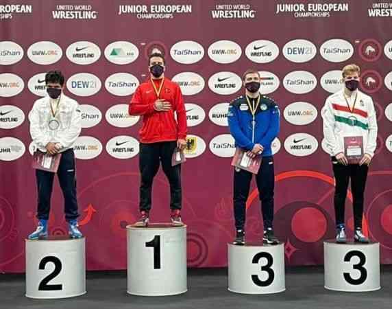 Avrupa Gençler Güreş Şampiyonası'nda Polat Polatçı altın madalya kazandı