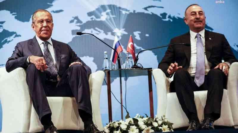 """Lavrov ile görüşen Çavuşoğlu: """"Ne Kanal İstanbul'un Montrö'ye ne de Montrö'nün Kanal İstanbul'a etkisi var"""""""