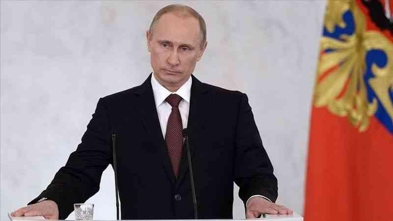 Putin, Karadeniz'deki İngiliz gemisini batırsalardı bile üçüncü dünya savaşının çıkmasının zor olduğunu söyledi