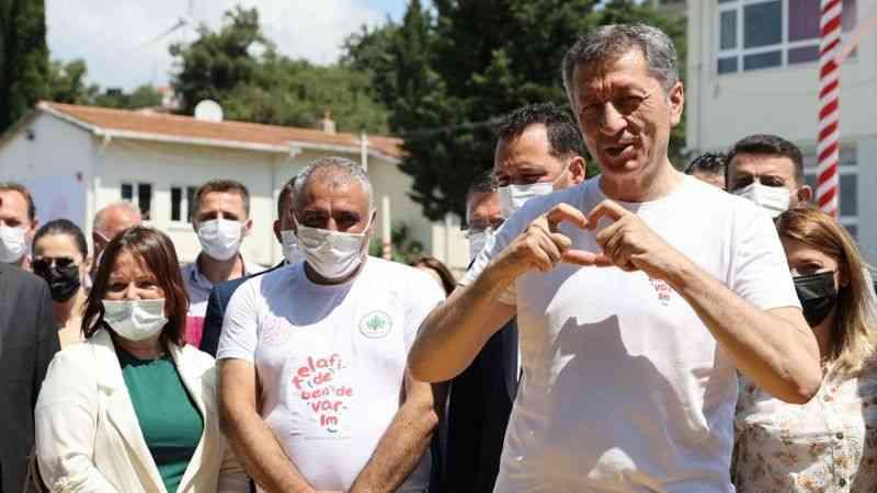 """Milli Eğitim Bakanı Selçuk, Çatalca'da """"Telafide Ben de Varım"""" etkinliğine katıldı"""
