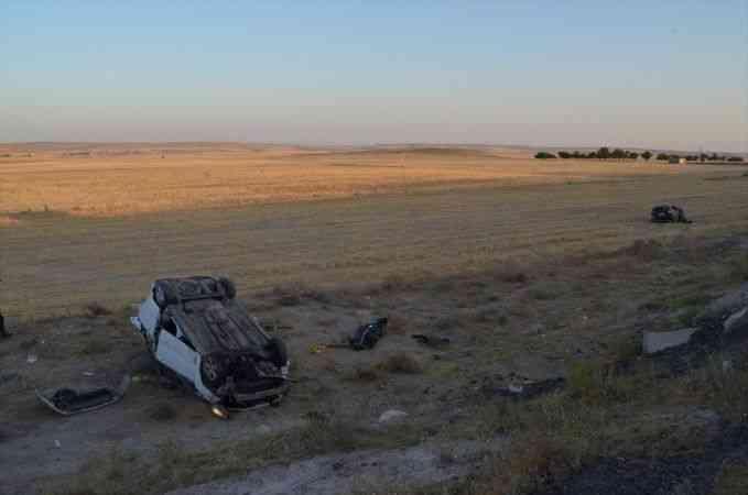 Aksaray'da hafif ticari araç ile otomobil çarpıştı: 2 ölü, 7 yaralı