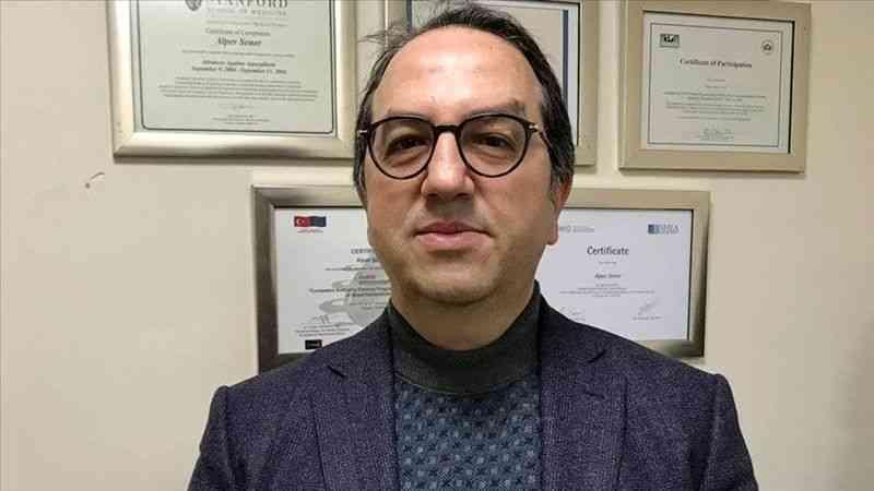 """Prof. Dr. Şener: """"Türkiye'de Delta varyantı yaygın olarak görülmeye başladı"""""""