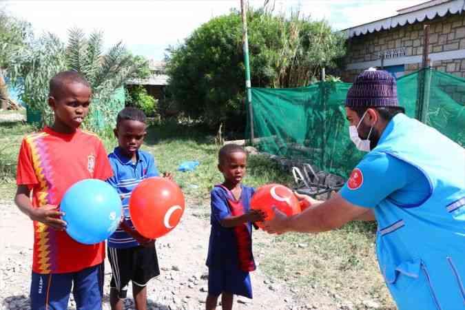 Somaliland'da ihtiyaç sahipleri Türkiye Diyanet Vakfı ile bayram etti