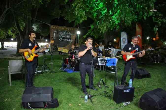 Efes Selçuk'ta açık hava ferahlı konserleri ile bayram neşesi