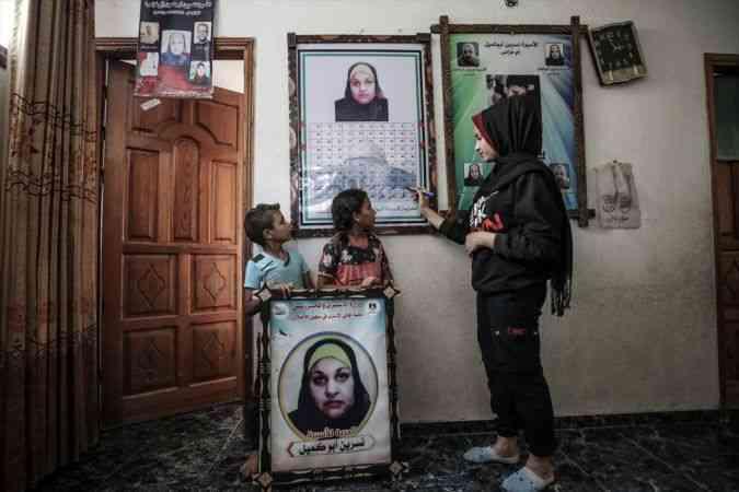 İsrail cezaevindeki Filistinli annenin 7 çocuğu, 6 yıldır hiç göremedikleri annelerine kavuşmak için gün sayıyor