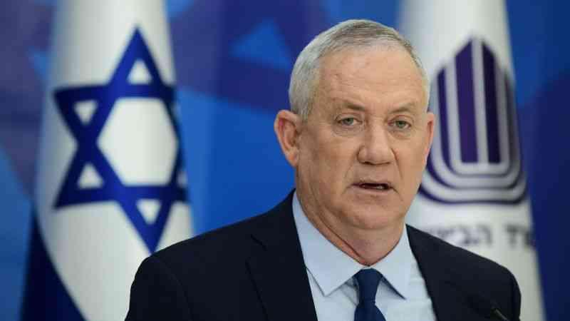 """İsrail Savunma Bakanı Gantz: """"Abbas, inmesi zor olan bir ağaca tırmandı"""""""