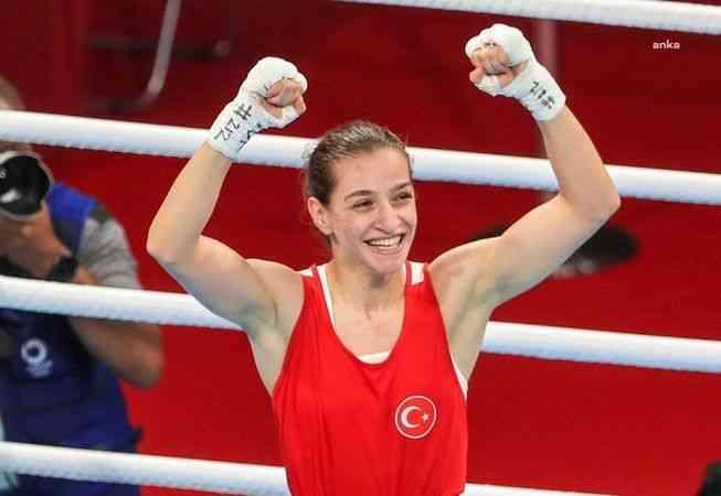 """Buse Naz Çakıroğlu: """"Mutluyum ama bir o kadar da hüzünlüyüm. Madalyanın renginin altın olmasını çok isterdim"""""""