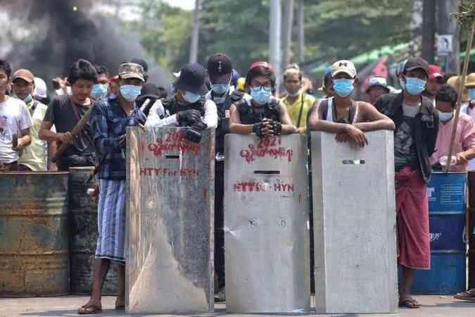 Myanmar'ın devrik lideri Suu Çii'nin avukatının basına konuşması yasaklandı