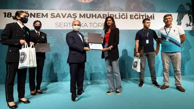 18. Dönem Savaş Muhabirliği Eğitimi'ni tamamlayan Azerbaycanlı gazeteciler sertifikalarını aldı