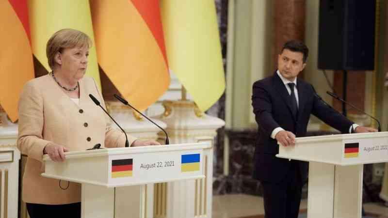 """Angela Merkel: """"Rusya'nın projeyi silah olarak kullanmaya çalışması durumunda yeni yaptırımlardan yanayız"""""""