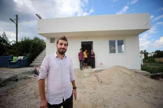 Olcay öğretmen topladığı yardımlarla zihinsel engelli öğrencisinin ailesine ev yaptırdı