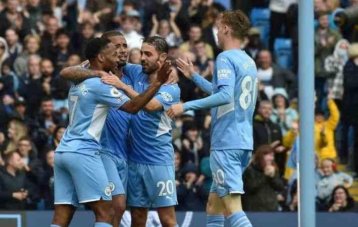 Manchester City, Norwich City'yi 5-0 yendi