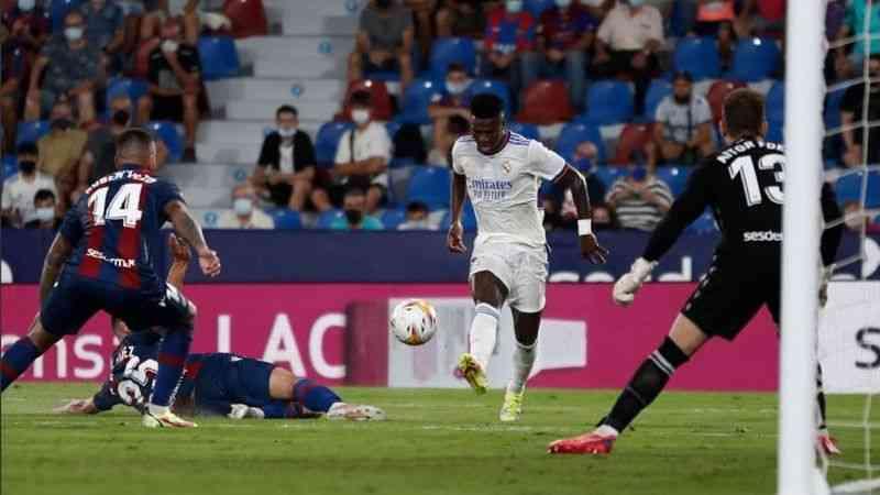 Real Madrid, Levante ile 3-3 berabere kaldı