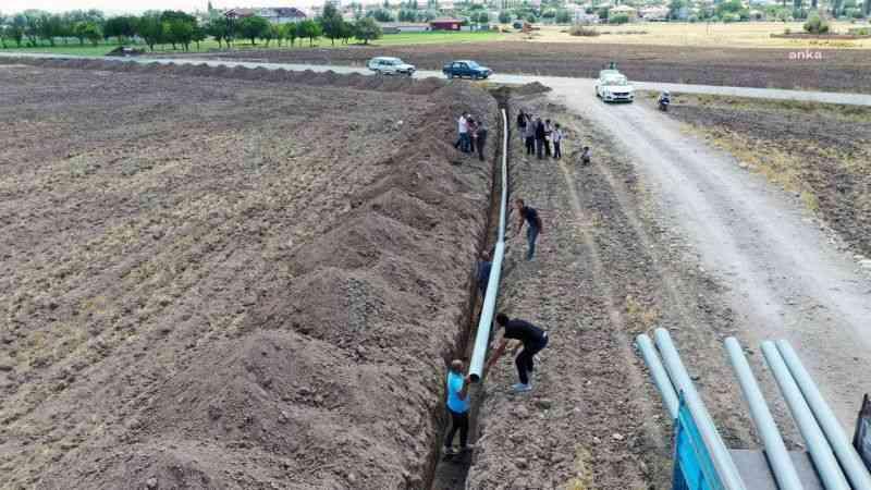 Kurak tarım arazileri suya kavuşturuluyor