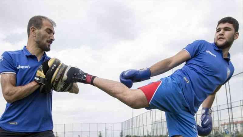 Milli kick boksçu Hakan Koç, dünya şampiyonasında altın madalya için irtifa kampında