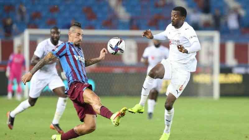Trabzonspor, Sivasspor'u 2-1 yendi
