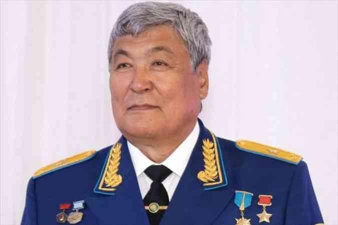 Kovid-19'a yakalanan Türk dünyasının ilk astronotu Toktar Aubakirov hastaneye kaldırıldı