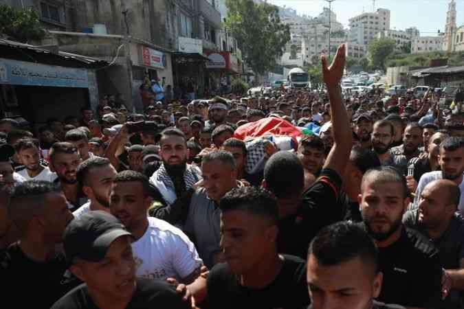 İsrail güçlerinin Batı Şeria'da öldürdüğü Filistinli çocuk son yolculuğuna uğurlandı