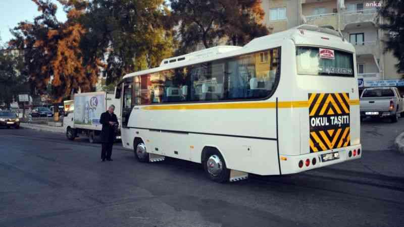 Okul servis aracı şoförlerinde yaş sınırı 22'ye indirildi
