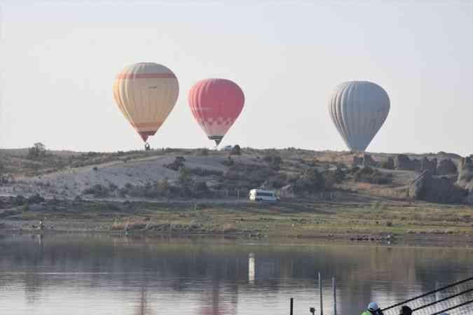 Sıcak hava balonları Büyük Taarruz'un 99. yıl dönümü dolayısıyla Afyonkarahisar semalarında