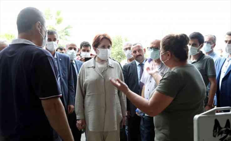 İYİ Parti Genel Başkanı Akşener, Sinop'ta esnafı ziyaret etti