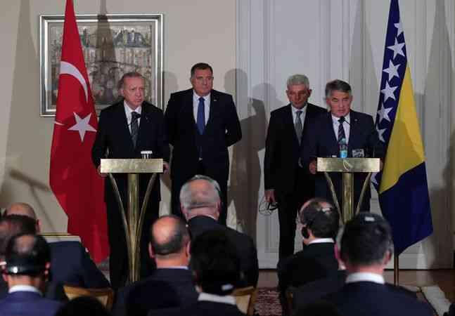 Cumhurbaşkanı Erdoğan: ''Amerika, 'Ben çekildiğim gidiyorum' deyip çekilip gidiyor''