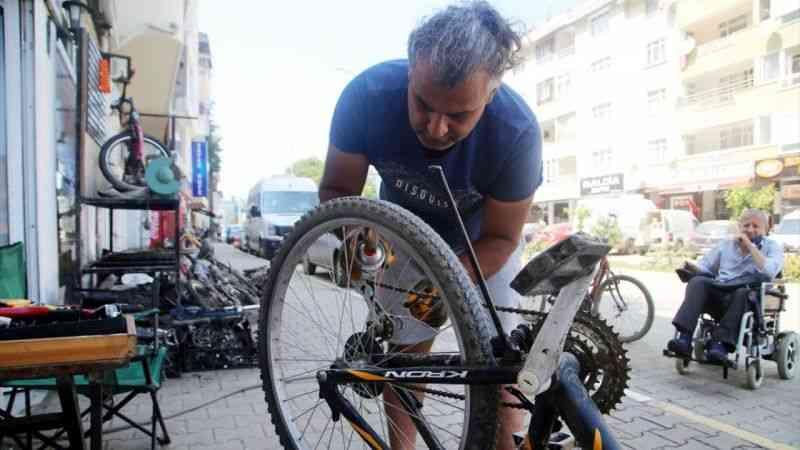 Selden zarar gören bisikletlerin tamiri için ücret kabul etmiyor