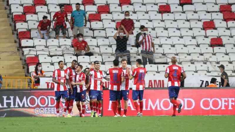 Antalyaspor sahasında, Çaykur Rizespor'u 3-2 yendi