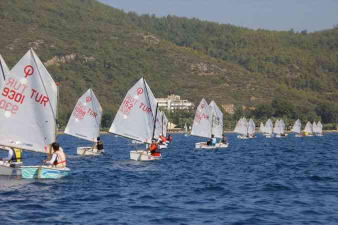 Uluslararası 30 Ağustos Zafer Kupası Açık Yelken Yarışları, İzmir'de başladı