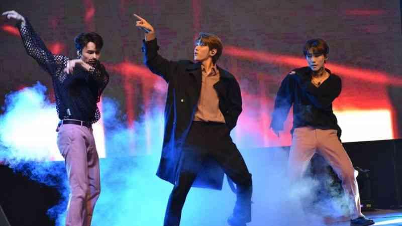 Güney Koreli müzik grubu Dongkiz Ankara'da konser verdi