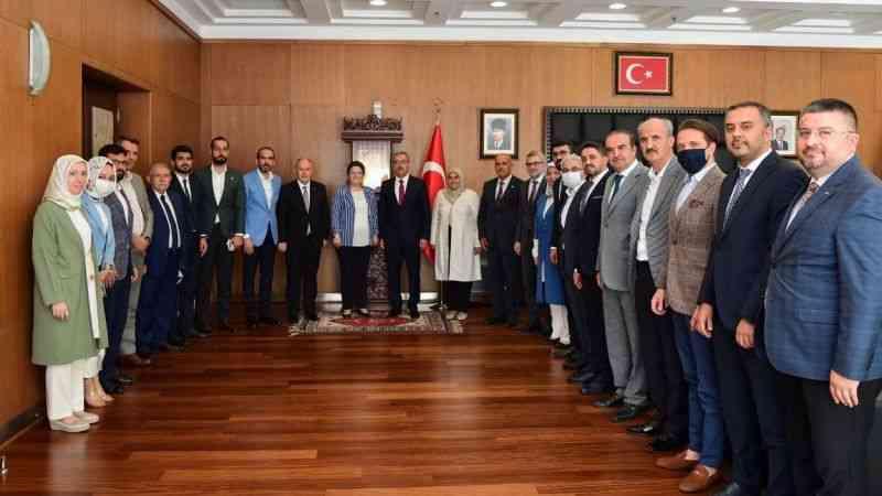 Başkan Güngör'den Milletvekili Öztunç'a 'Bakan Yanık' Cevabı