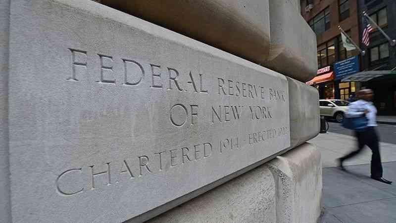 Piyasalar Fed'in güvercin kanatlarında