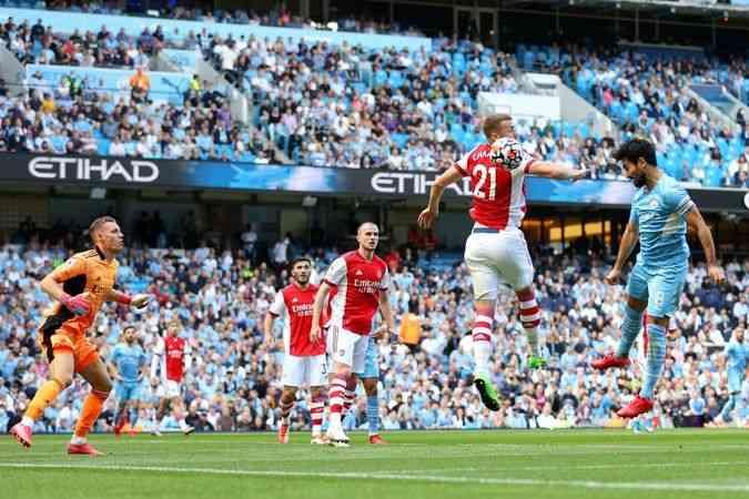 Manchester City, Arsenal'ı 5-0 mağlup etti