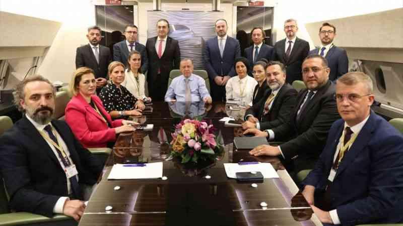 Cumhurbaşkanı Erdoğan, Bosna Hersek ve Karadağ ziyareti sonrası uçakta gazetecilerle sohbet etti