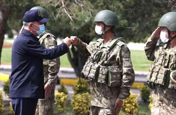 Milli Savunma Bakanı Akar, beraberindeki TSK komuta kademesi ile Tekirdağ'da