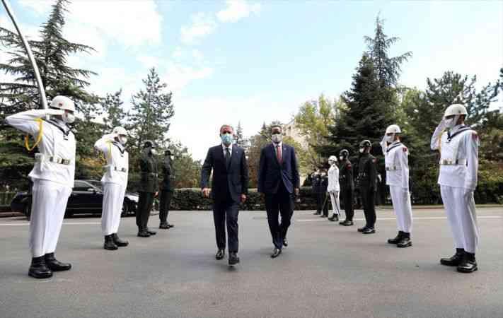 Milli Savunma Bakanı Akar, Somali Savunma Bakanı Haji ile görüştü