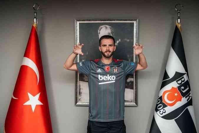 Beşiktaş, Miralem Pjanic'i kadrosuna kattı