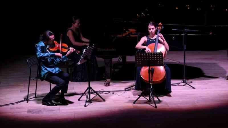Nova Trio, klasik müzikseverlere unutulmaz bir gece yaşattı