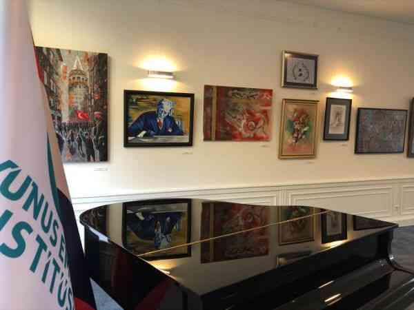 """Amsterdam Yunus Emre Enstitüsü'nde """"Sefarad Sergisi"""" ziyarete açıldı"""
