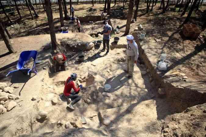 Mersin'deki Yumuktepe Höyüğü'nde Bizans dönemine ait depolama çukuru bulundu