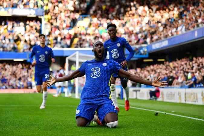 Chelsea, Aston Villa'yı 3-0 yendi.