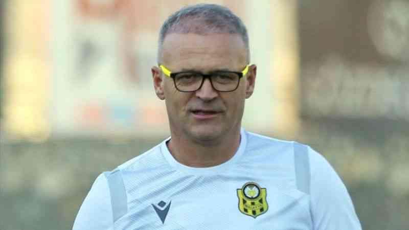"""Yeni Malatyaspor Teknik Direktörü İrfan Buz'dan """"yabancı oyuncu kuralı"""" açıklaması"""