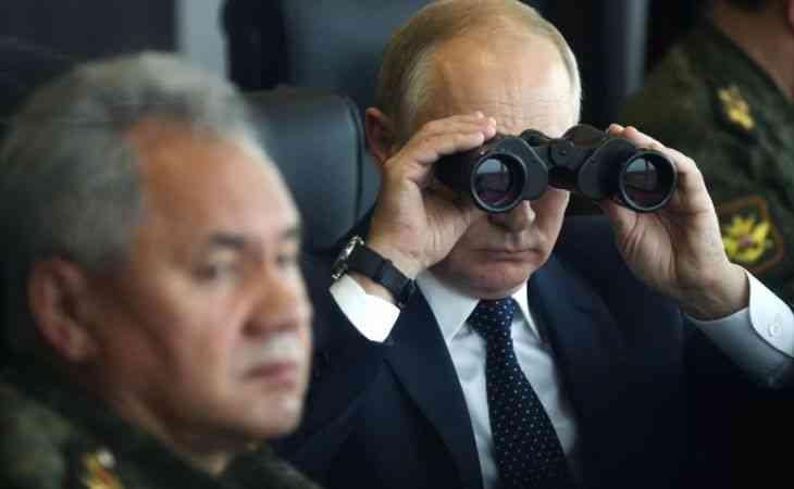 Putin, Rusya ve Belarus ortak askeri tatbikatı Zapad-2021'i poligonda takip etti