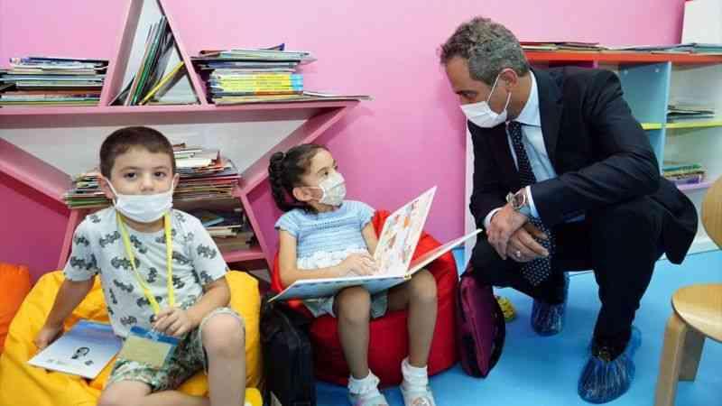 """Milli Eğitim Bakanı Özer: """"Okullar ilk açılan ve en son kapanan yerler olmak durumundadır"""""""
